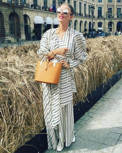 10a9a09f361be shop this pair Xenia Sobchak in Linda Farrow Luxe